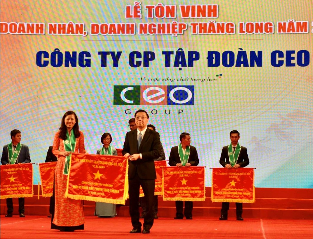 Tập đoàn CEO vinh dự nhận cờ thi đua của UBND Thành phố Hà Nội - Tập đoàn CEO