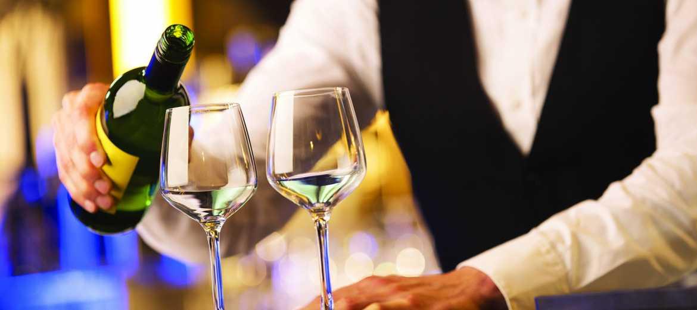 Du lịch và quản lý khách sạn - Tập đoàn CEO