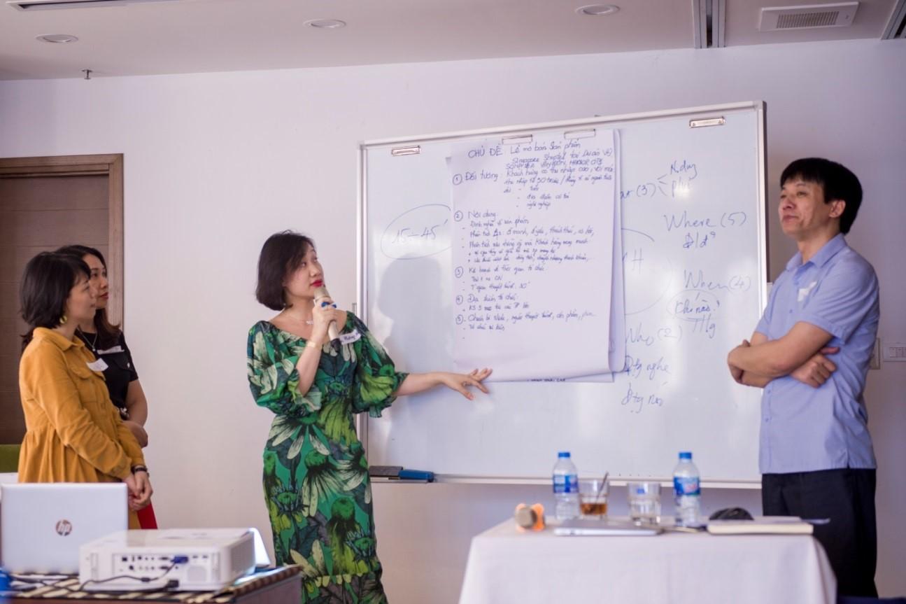 Tổ chức khóa đào tạo kỹ năng thuyết trình cho CBNV - Tập đoàn CEO